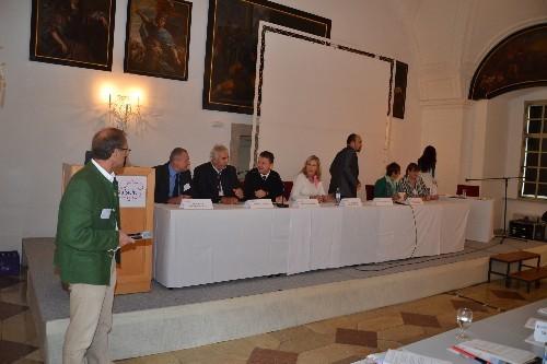 Abschluießende Podiumsdiskussion mit allen Vortragenden und Beteiligten