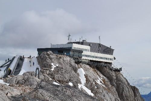 Bergstation vom Gletscher aus!