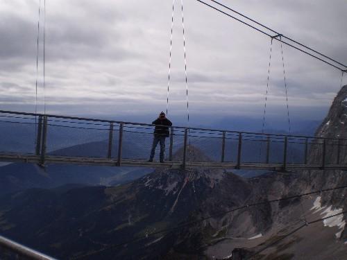 Tiefe Abgründe und schwindelnde Höhen mit super Ausblicken, bei angenehmen Temperaturen und guter Witterung hat uns der Dachstein gewährt!