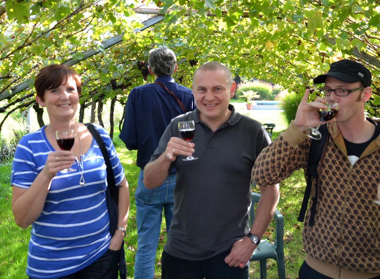 ...ein glas Vernatsch gehört in Südtirol dazu...