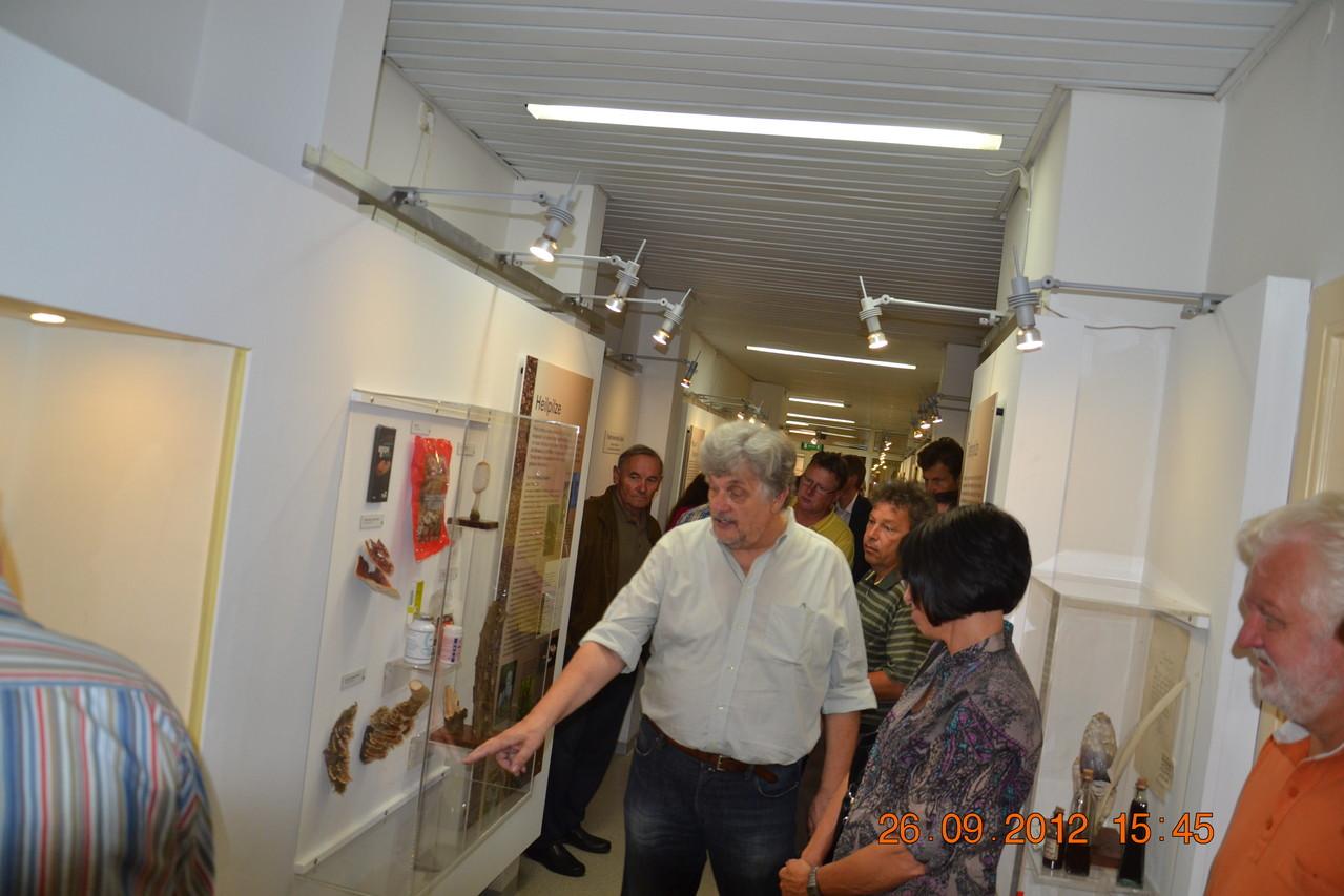 FR. Dr. Schachner/AGES Linz informiert sich bei unserem fachkundigen Experten Hr. Ing. Sueti