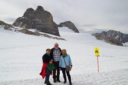 Auch unsere Senioren fühlen sich im Gletscherschnee wohl!