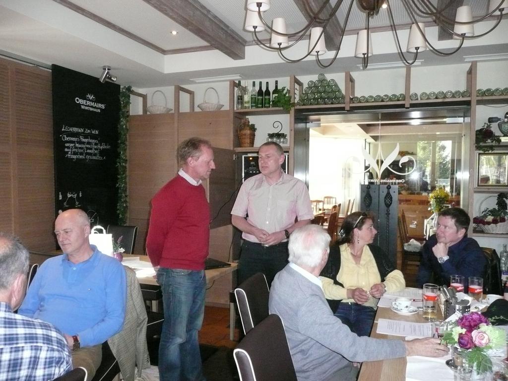 Dank an Koll. Döberl scheidender Obmann des Vereins 2002 - 2012