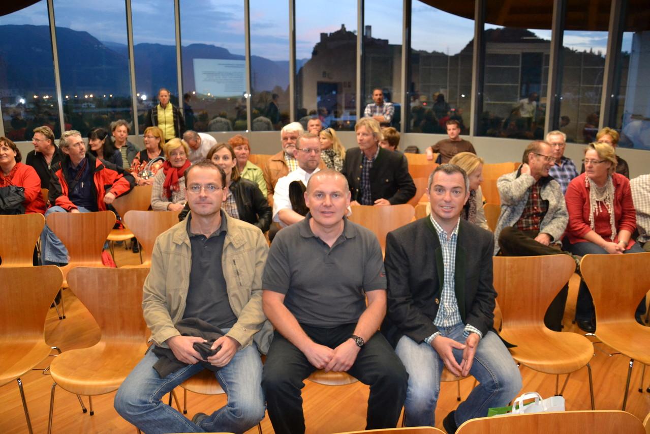 Vorstandsmitglieder Obmann- Stv. Mühlparzer, Obmann Wimmesberger, Kassier Mayrwöger bei der Begrüßung durch die Südtiroler Kollegen!
