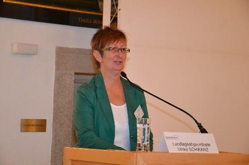 Landtagsabgeordnete für die Grünen Fr. Ulrike Schwarz zuständig für die Themenbereiche Umwelt und Klimaschutz, Verkehr, Gesundheit und Soziales