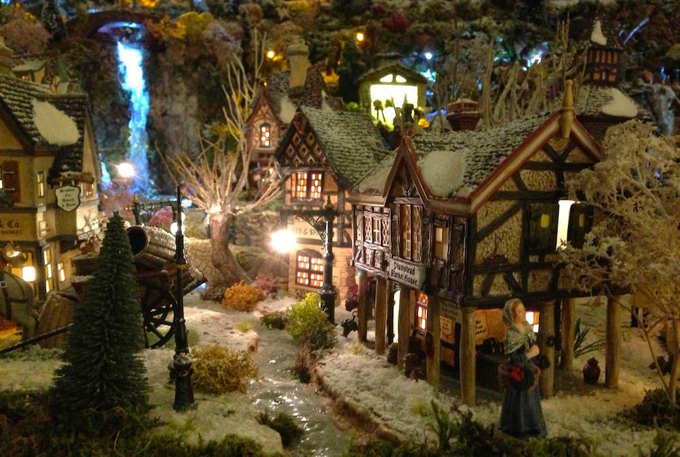 Village de no l 2012 nuit petits mondes miniatures de no l - Village de noel miniature ...