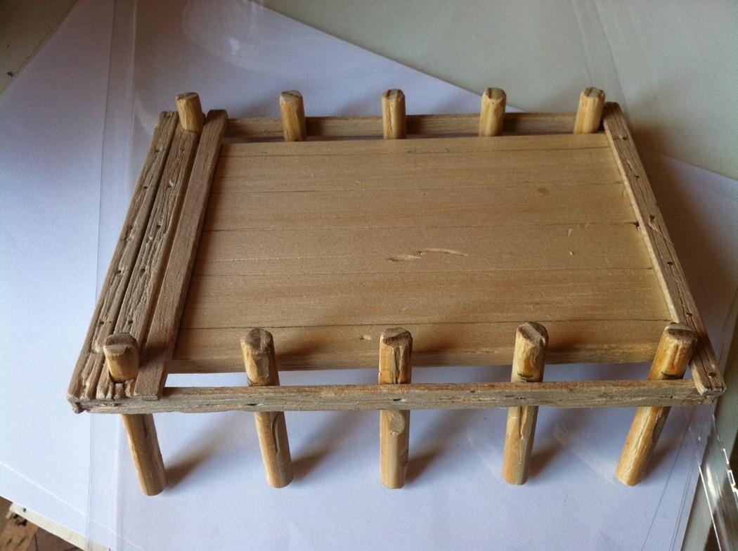 Ponton : base de balsa et lamelles de balsa