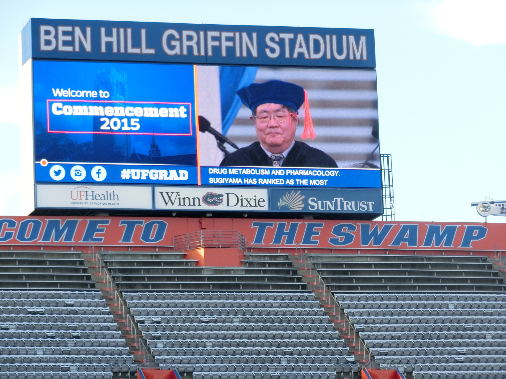 10万人収容できるBen Hill Griffin Stadium