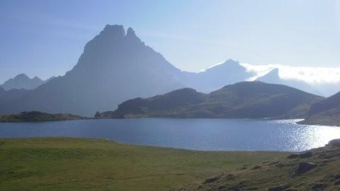 Le lac d'Annayet et l'Ossau
