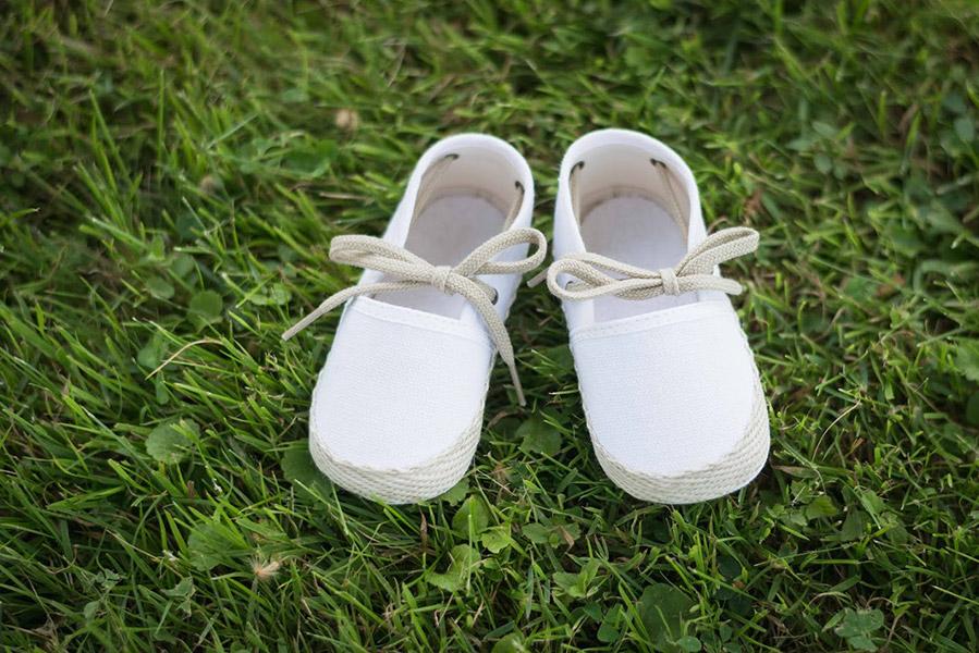 Chaussons baptême bébé garçon espadrilles en toile blanche