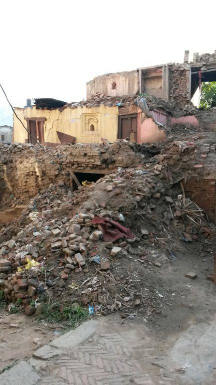 Das Erdbeben hat eine Spur der Verwüstung hinterlassen
