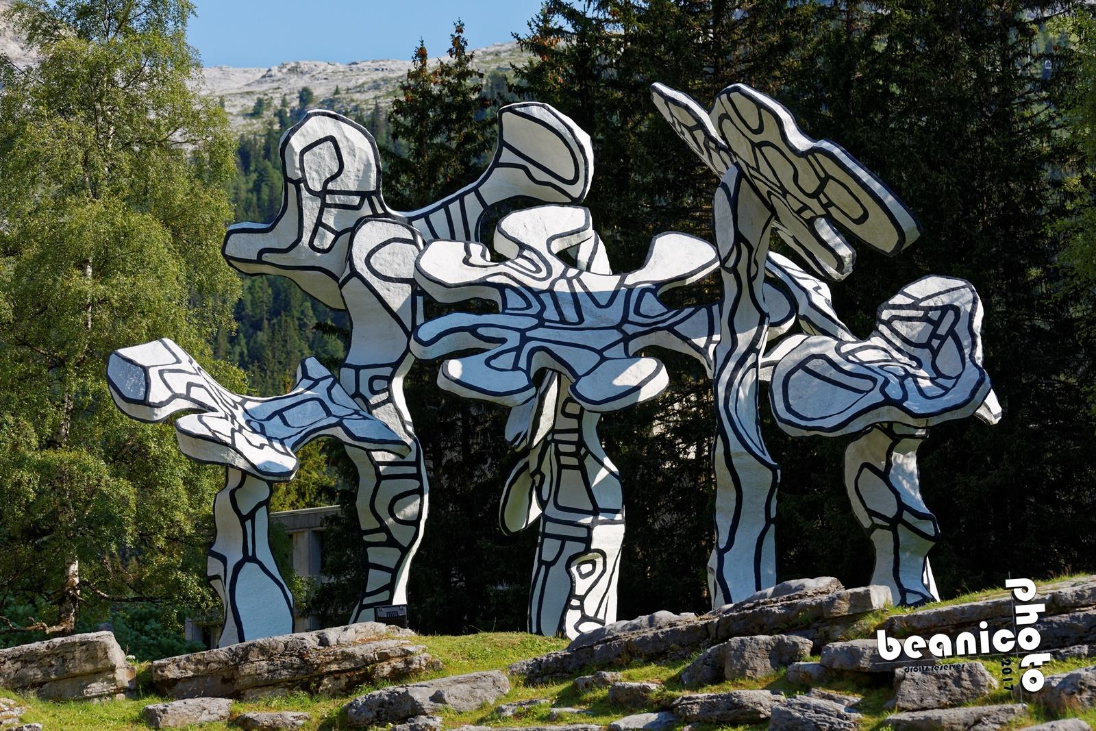 Le boqueteau des 7 arbres de Jean Dubuffet - Flaine Forum