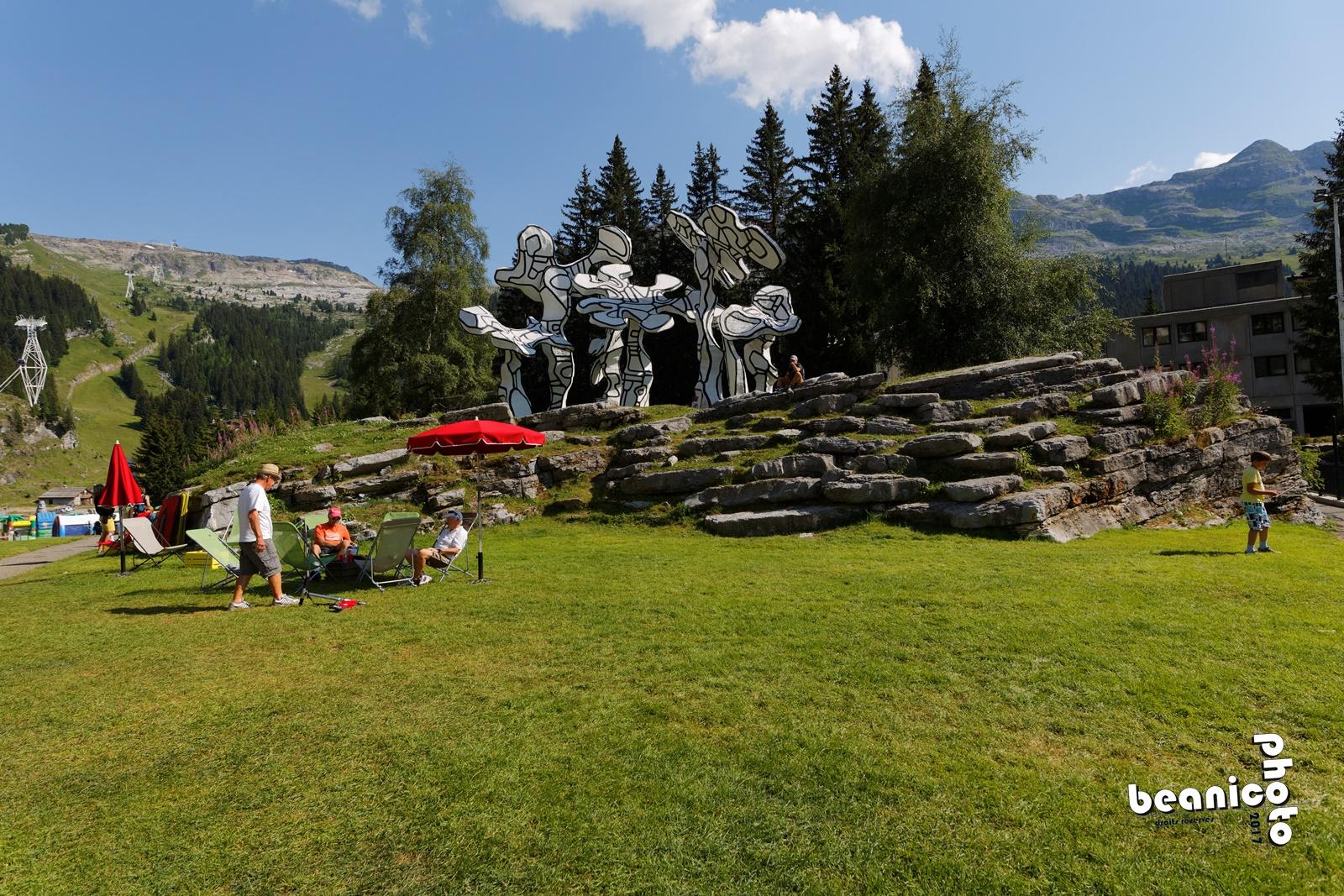 Le Forum à Flaine, un espace ouvert sur la montagne et les pistes du Grand Massif