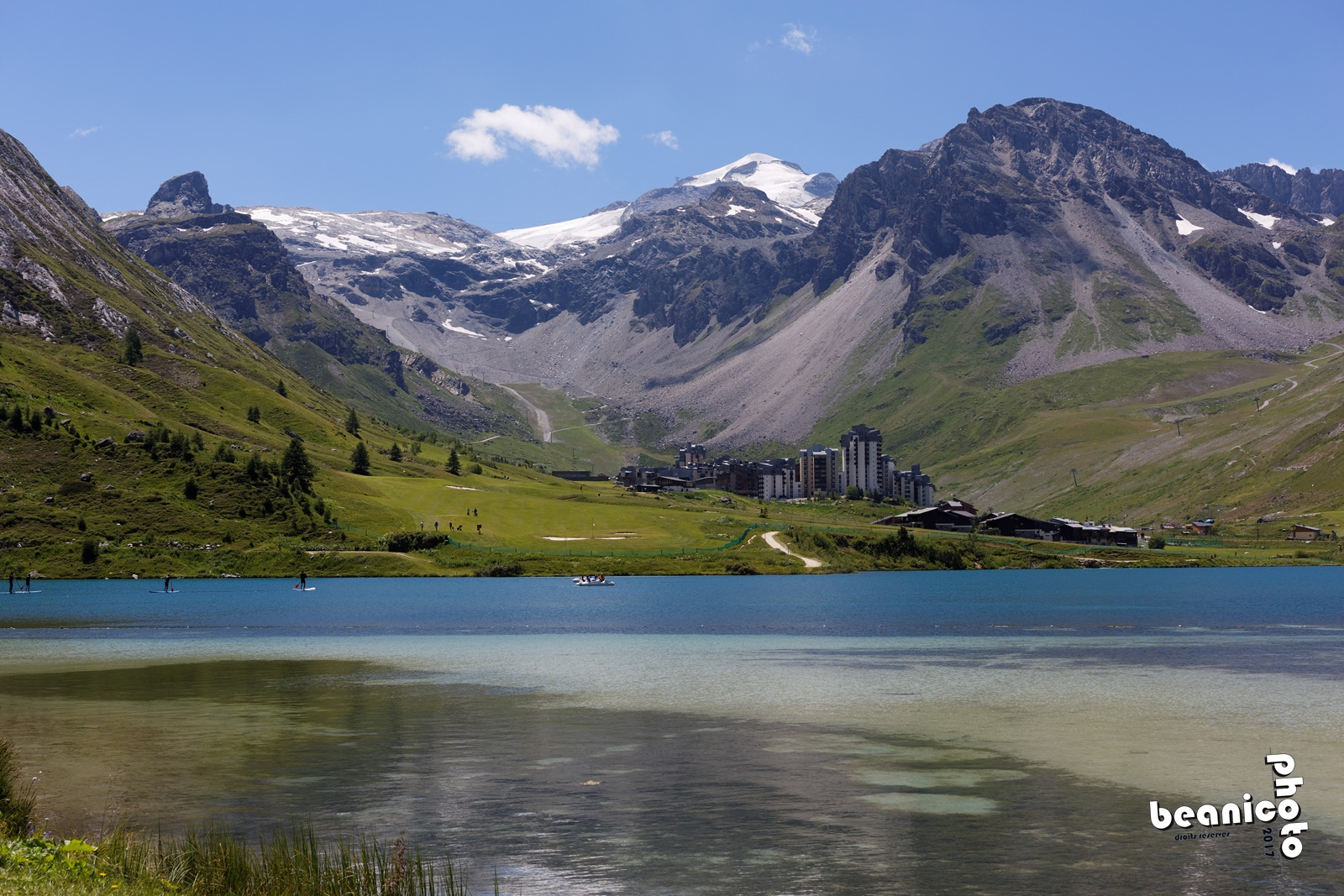 Canon 5DIII + Sigma 50 mm f/2.8 EX DG Macro : f/8 1/250s ISO100 - Le lac de Tignes et le Val Claret - www.beanico-photo.fr