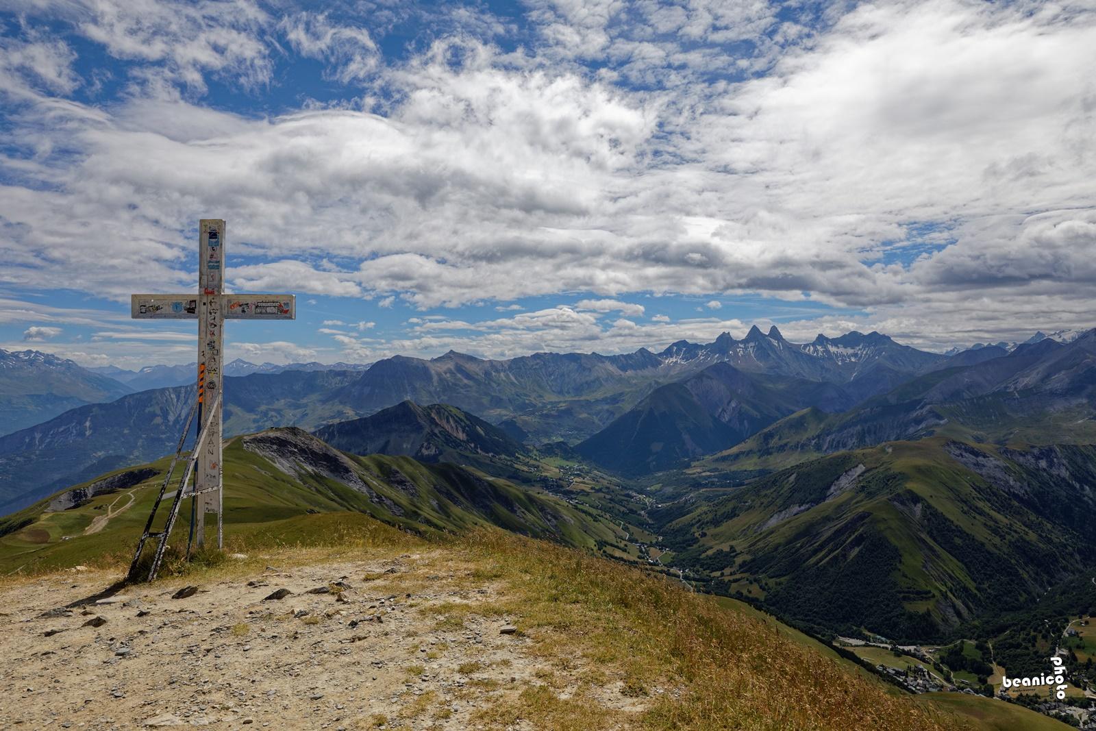 La croix du sommet de l'Ouillon