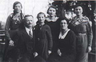 Familienfoto Schibli, Rosa und Adolf Schibli und ihre vier Töchter.