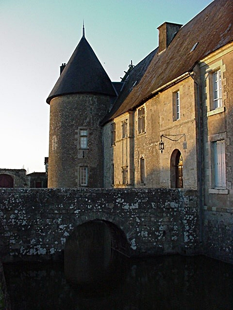 6/39 - Château de Saveilles © photo - propriétaire