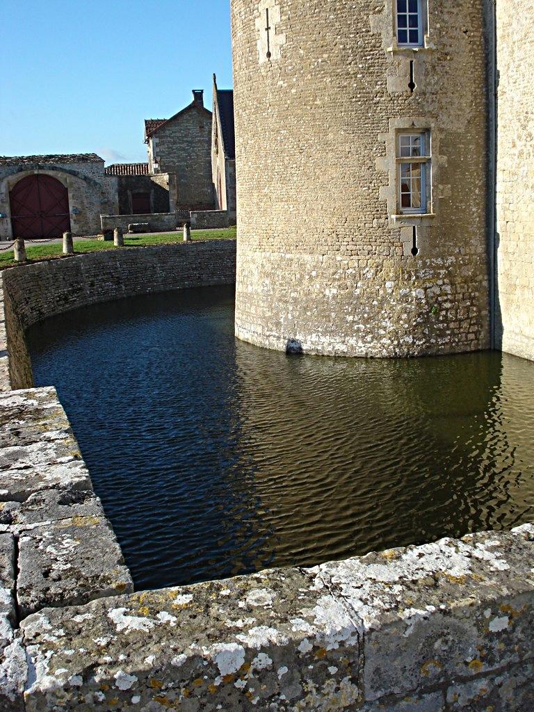 2/39 - Château de Saveilles © photo - propriétaire