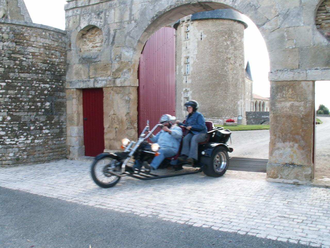 1/18 - Rallye Motos Harley-Davidson - Château de Saveilles ©photo-propriétaire
