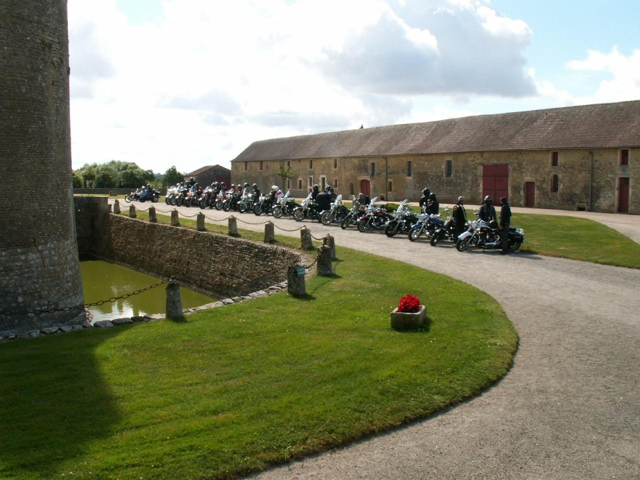 10/18 - Rallye Motos Harley-Davidson - Château de Saveilles ©photo-propriétaire