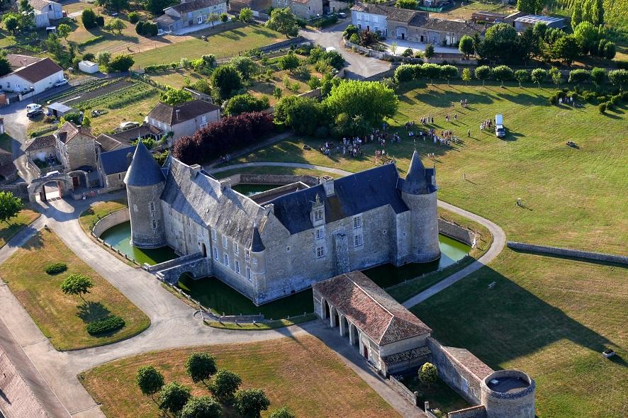 23/30 - Envol de montgolfière - Château de Saveilles ©photo-P.Baudouin