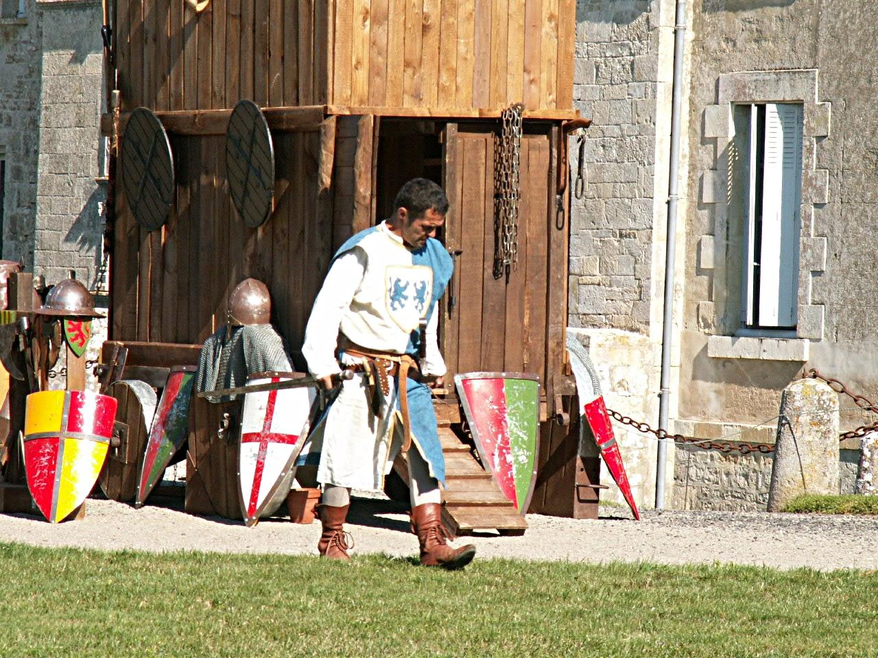 4/10 - Fête médiévale - Château de Saveilles ©photo-propriétaire