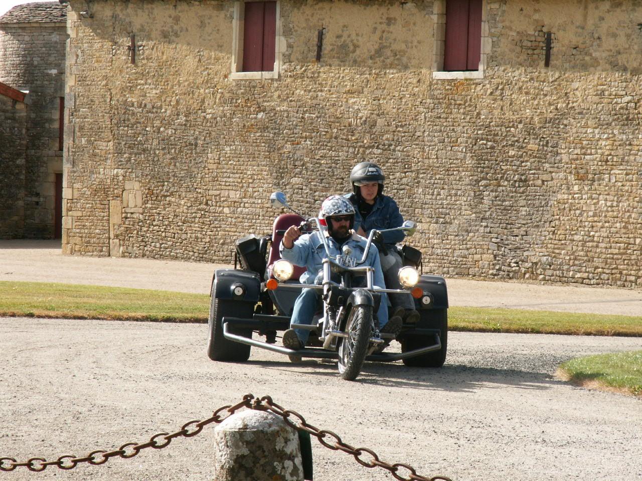 7/18 - Rallye Motos Harley-Davidson - Château de Saveilles ©photo-propriétaire