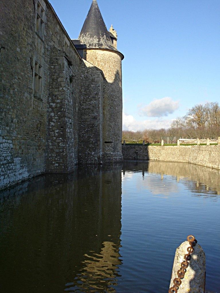 37/39 - Château de Saveilles © photo - propriétaire