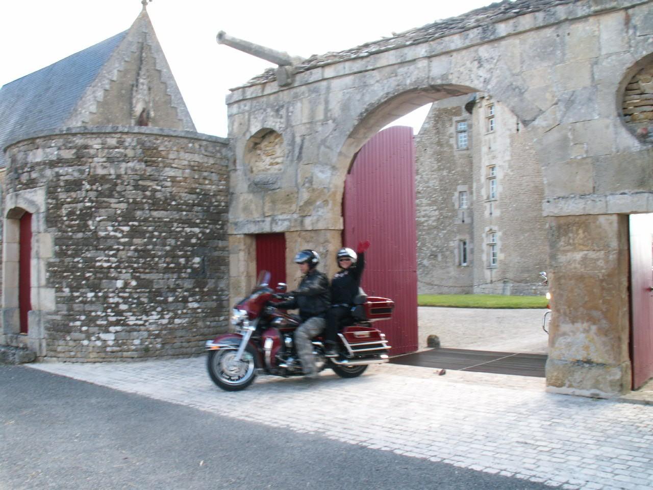 17/18 - Rallye Motos Harley-Davidson - Château de Saveilles ©photo-propriétaire