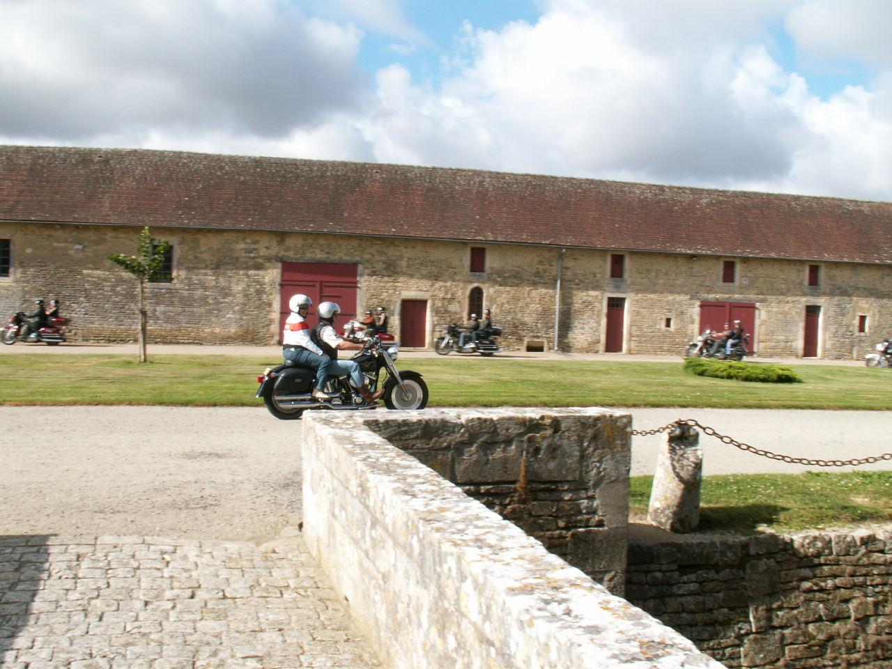 4/18 - Rallye Motos Harley-Davidson - Château de Saveilles ©photo-propriétaire