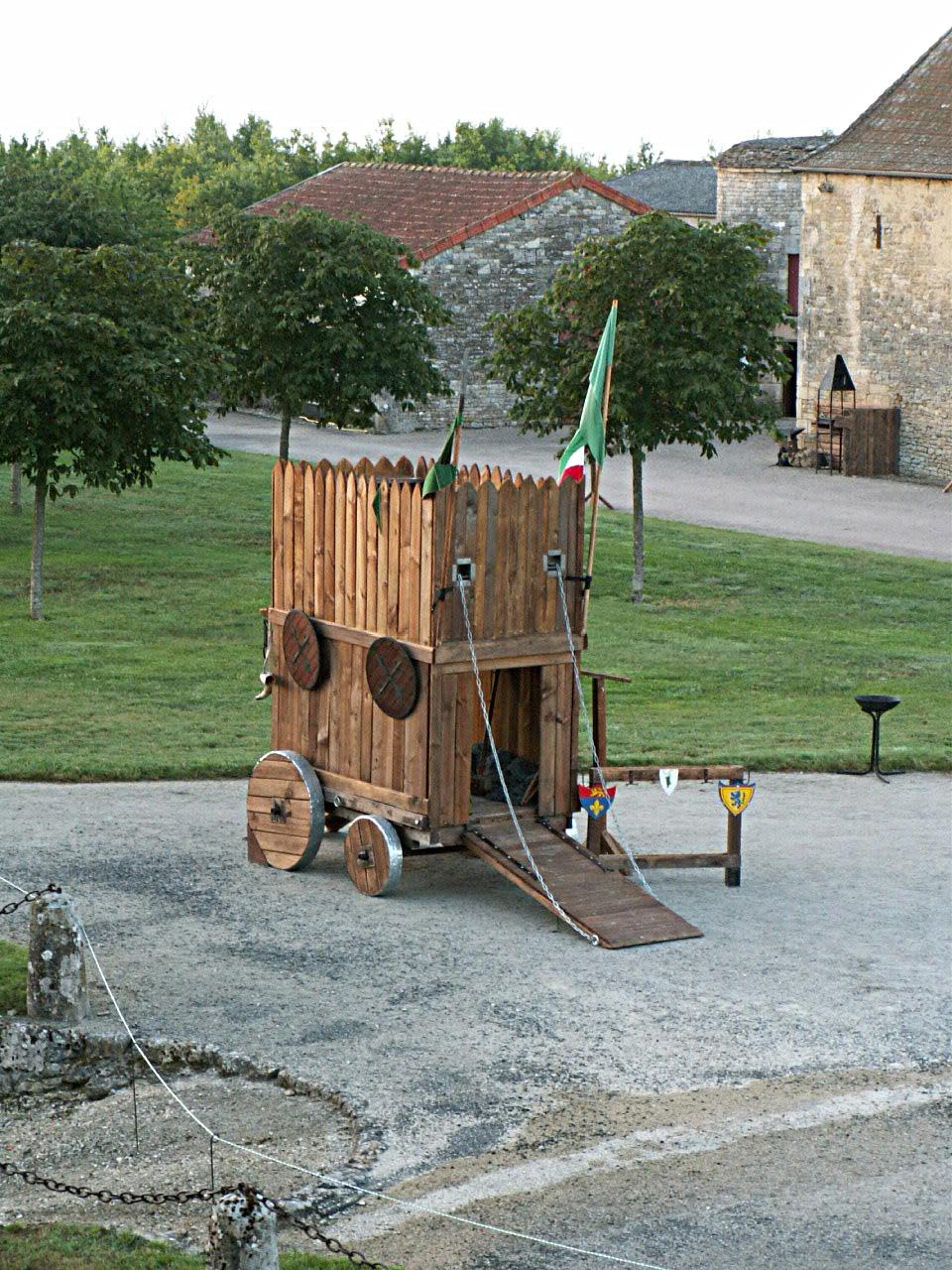2/10 - Fête médiévale - Château de Saveilles ©photo-propriétaire
