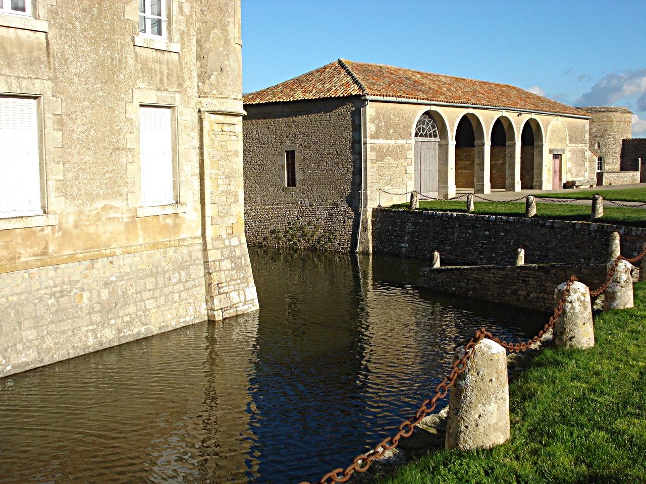 34/39 - Château de Saveilles © photo - propriétaire