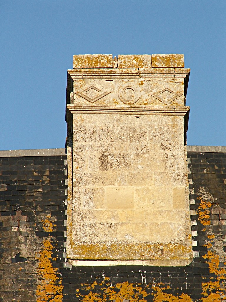27/39 - Château de Saveilles © photo - propriétaire