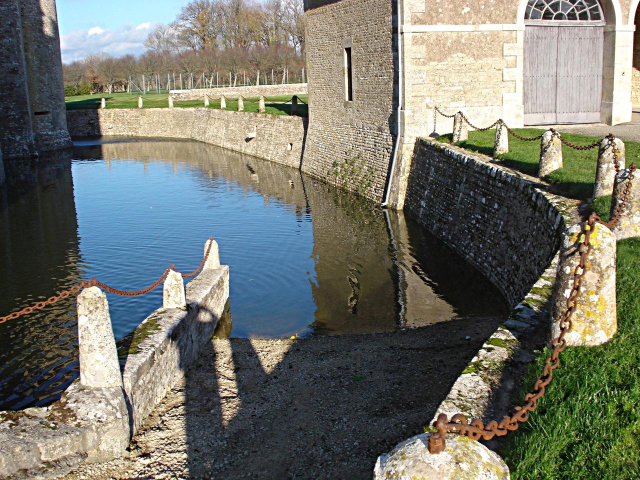 33/39 - Château de Saveilles © photo - propriétaire
