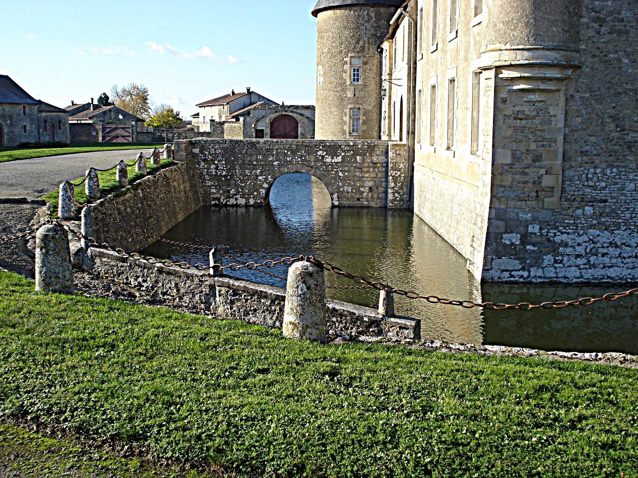 31/39 - Château de Saveilles © photo - propriétaire