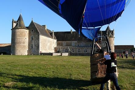 Décollage de montgolfière - Parc du Château de Saveilles, lieu dit Saveille