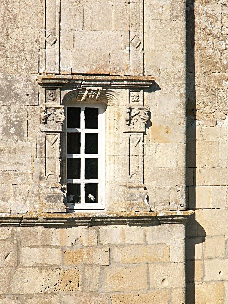 7/39 - Château de Saveilles © photo - propriétaire