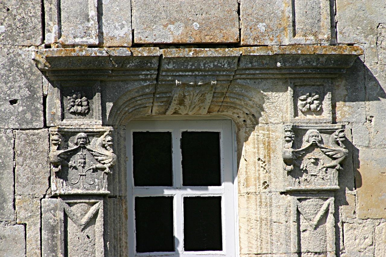 8/39 - Château de Saveilles © photo - propriétaire