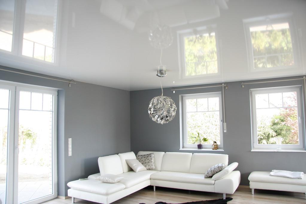 Spanndecke Weiß glänzend Wohnzimmer Holzwickede
