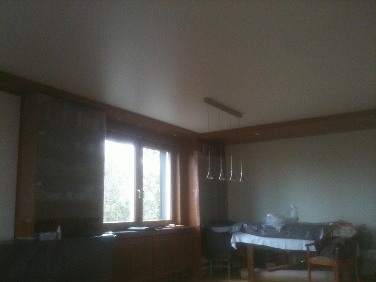 Spanndecke Weiß seidenglänzend Wohnzimmer Wetter