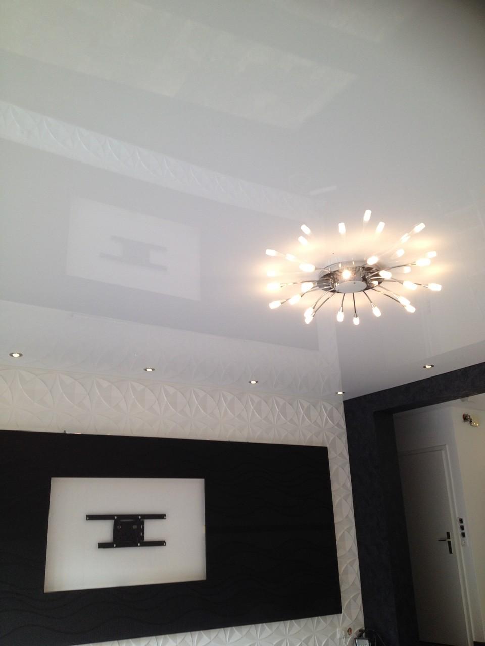 Spanndecke weiß glänzend Wohnzimmer Unna
