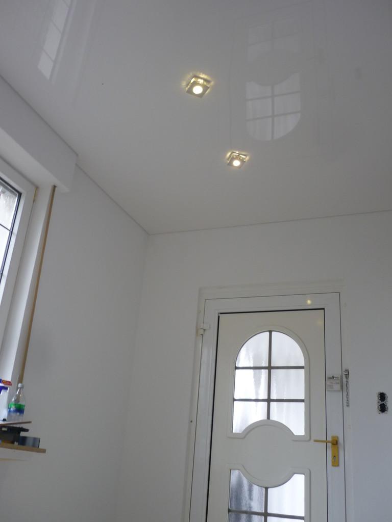 Spanndecke Weiß glänzend Menden Eingangsbereich