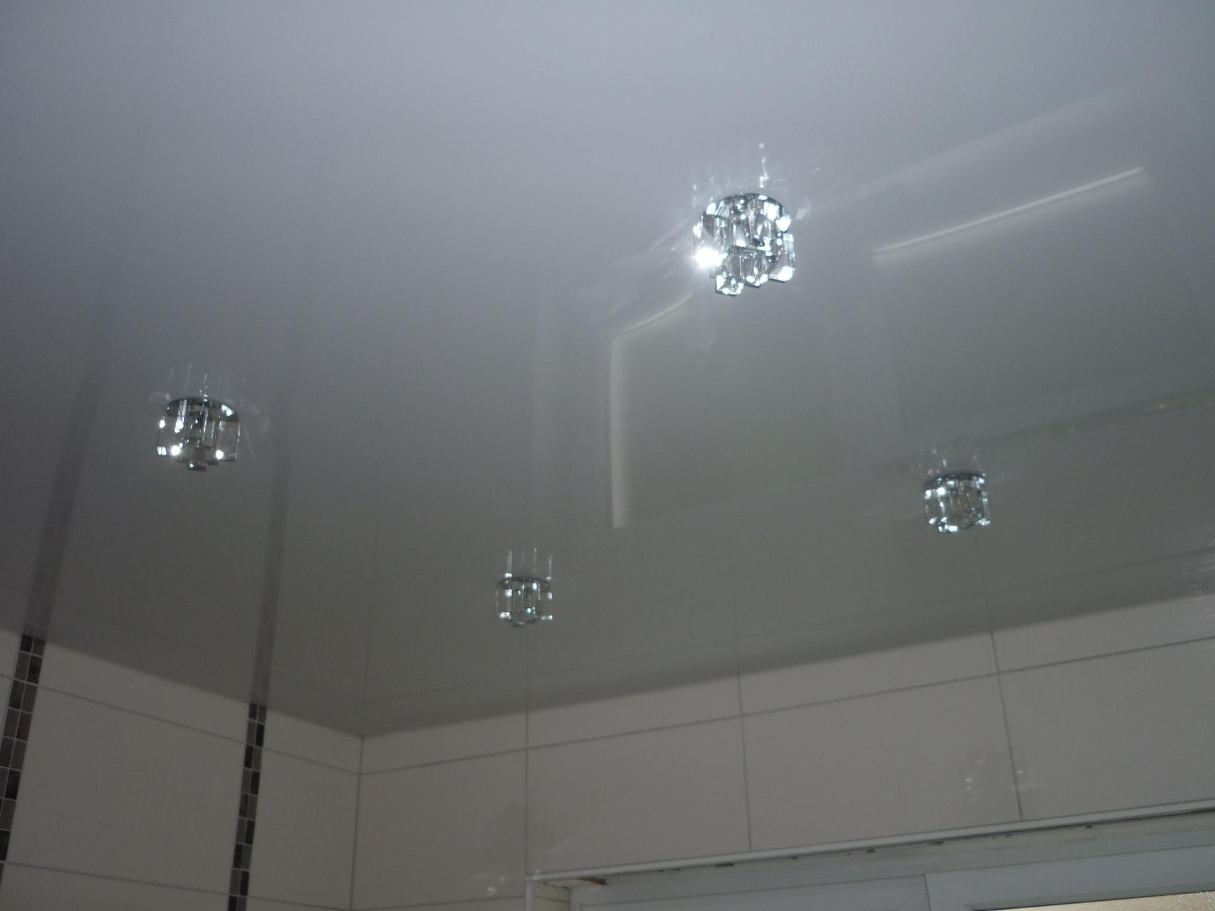Spanndecke Weiß glänzend Holzwickede Badezimmer