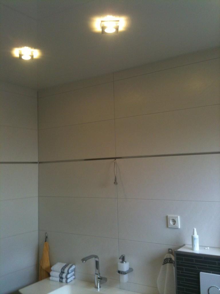 Spanndecke Weiß glänzend Badezimmer Iserlohn