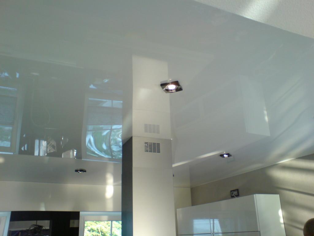 Spanndecke Weiß glänzend Küche Ense