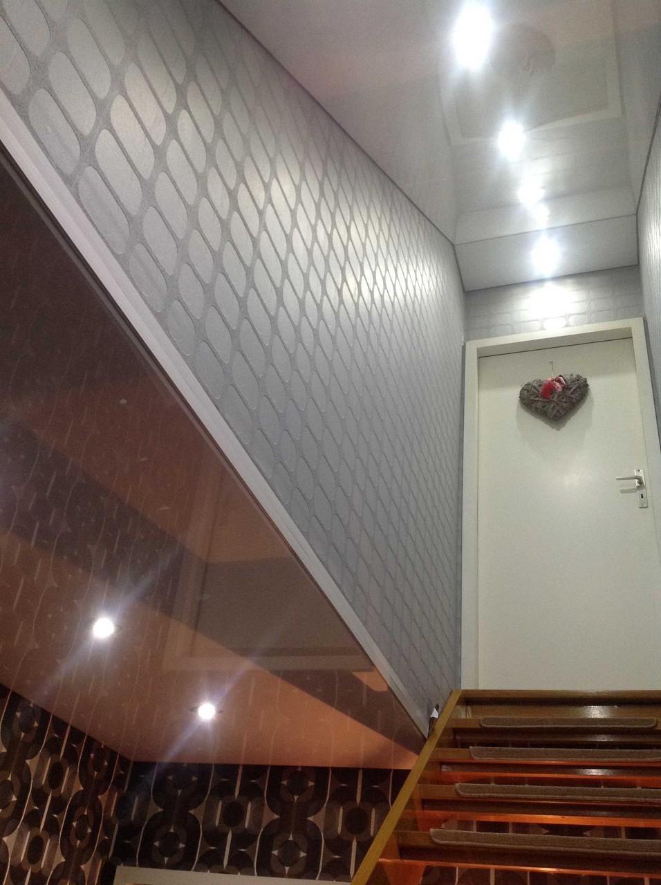 Spanndecke weiß glänzend Treppenschräge EFH Unna