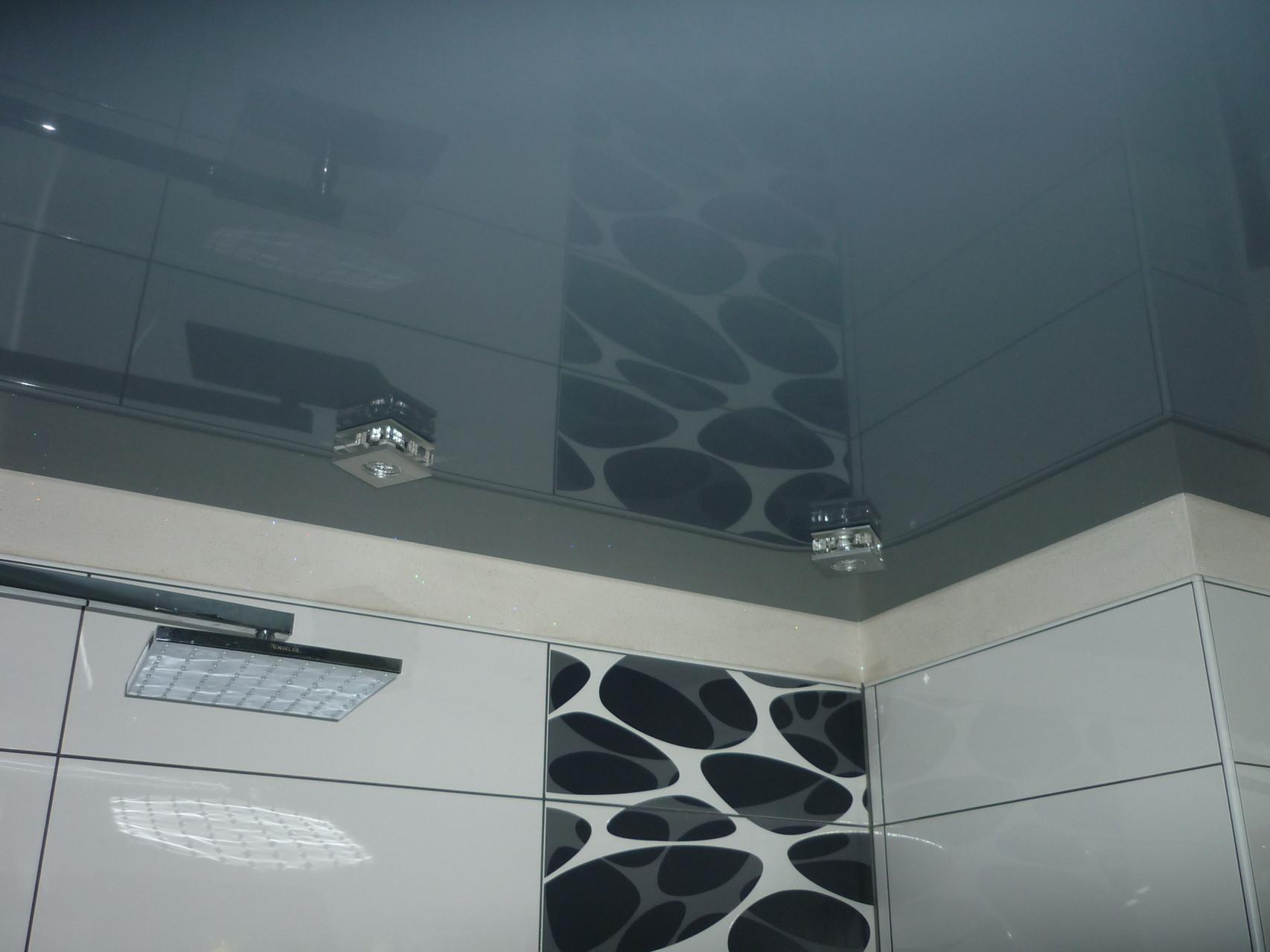 Spanndecke Grau glänzend Iserlohn Badezimmer