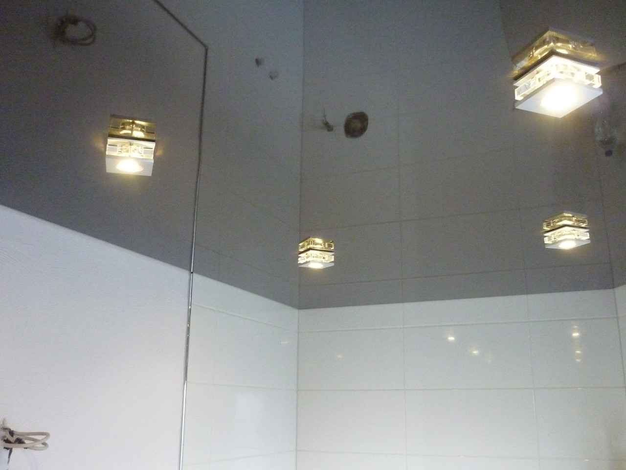 Spanndecke Schoko glänzend Unna Badezimmer