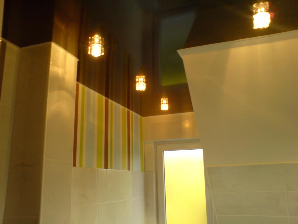 Spanndecke Schwarz glänzend Badezimmer Holzwickede