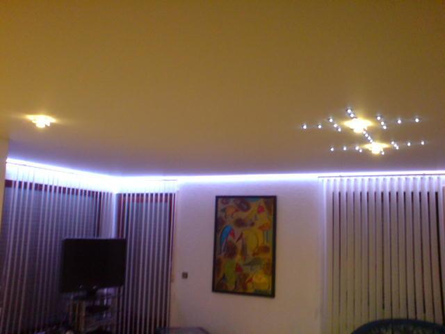 Spanndecke Weiß matt mit kleinen Sternen Wohnzimmer Arnsberg